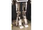 Видео дня: выпускник колледжа создал робота-гуманоида