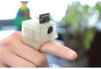 Камера на пальце поможет слепым людям