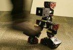 Куски робота находят друг друга после взрыва