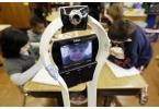 Робот заменил школьника на уроках