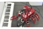 Робот-гексапод научился играть Бетховена