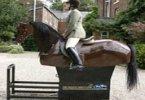 Новая лошадь-робот обучает верховой езде