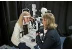Женщине был имплантирован бионический глаз