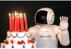 Робот Honda ASIMO отмечает 10-летний юбилей