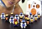 В Японии выпустили самого маленького шагающего робота