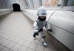 9-летний RoboCop на улицах Детройта