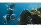 Создано инвалидное кресло для плавания под водой