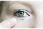Миниатюрный сенсор определит уровень глюкозы по слезе